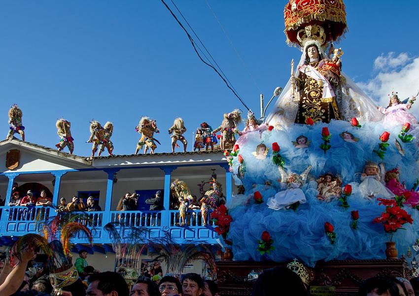 fiesta de la virgen del carmen cusco